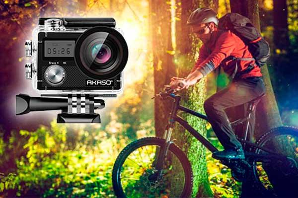 hombre en bicicleta y con Camara Deportiva Gopro Hero 6 black