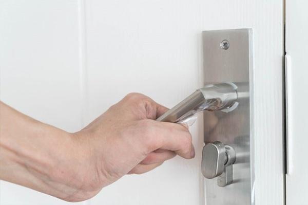 Juego de tiradores para puerta interior sin llave